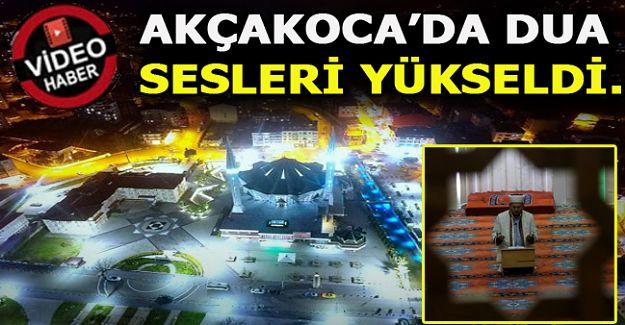 Akçakoca'da Koronavirüsün son bulması için ilçe müftüsü cami hoparlöründen dua ettirdi
