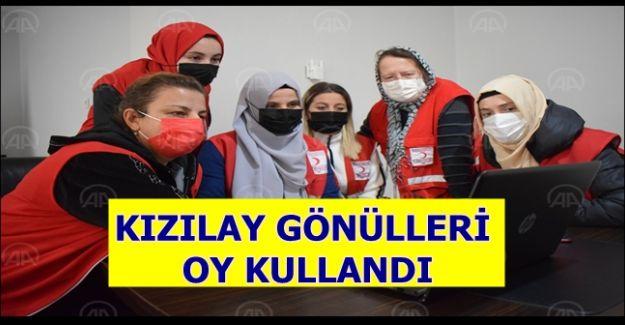 """Türk Kızılay gönüllü kadınları AA'nın """"Yılın Fotoğrafları"""" oylamasına katıldı (VİDEOLU)"""