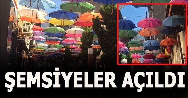 Şemsiyeli Sokak'ın şemsiyeleri açıldı