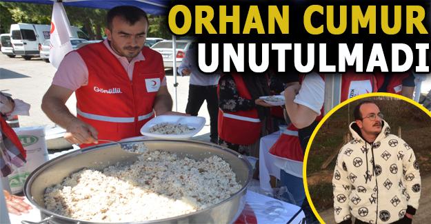 Kızılay Akçakoca, merhum Orhan Cumur için Mevlid okutup pilav dağıttı