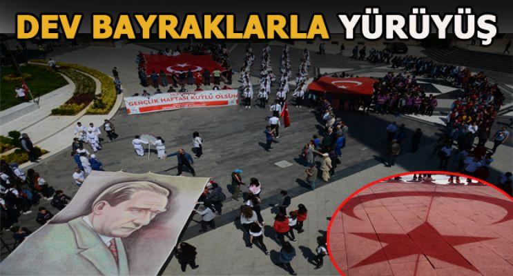 Akçakoca'da Gençlik Yürüyüşü Düzenlendi