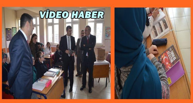 Başkan Yemenici'den öğrencilere kitap hediyesi