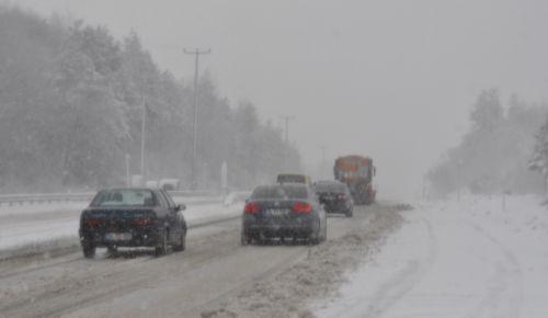 BOLU da lapa lapa kar yağışı