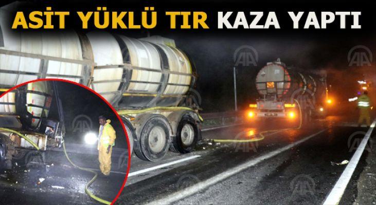 Hidroklorik asit yüklü tanker kaza yaptı yol kapatıldı