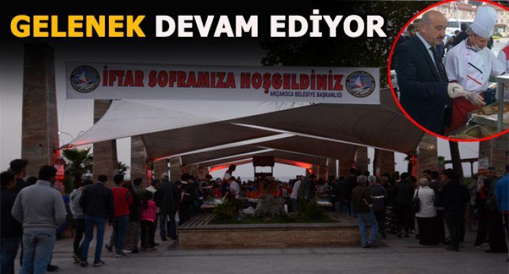İFTAR ÇADIRI GELENEĞİ DEVAM EDİYOR