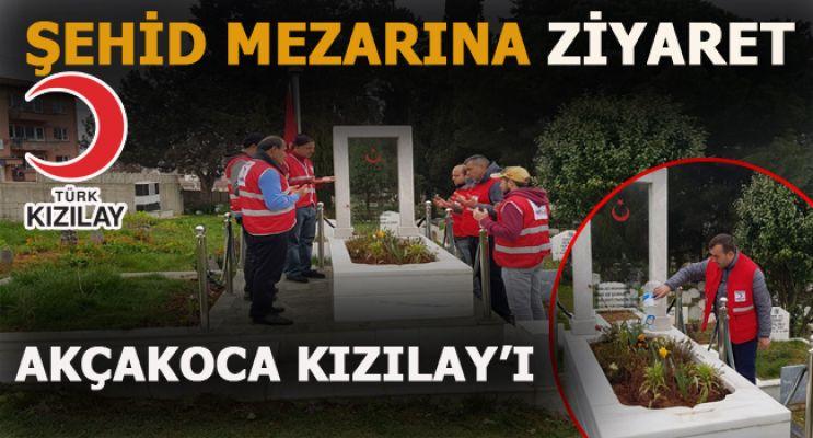 Kızılay'dan şehid mezarlıhına ziyaret