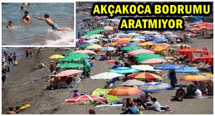 Sahil kenti Akçakoca'da hafta sonu yoğunluğu