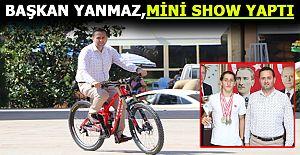 Şampiyon Bisikletçi Başkan Yanmaz'ı Ziyaret Etti