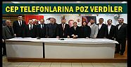 AK PARTİ VEKİLLER CEP TELEFONLARINA POZ...