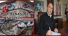 MHP  PARTİ BİNASINI ZEYTİN DALLARIYLA SÜSLEDİ (VİDEO HABER)