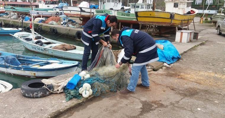 Akçakoca limanında 10 bin metre misina ağı imha edildi