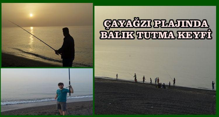 Gün batımında balık tutma keyfini yaşıyorlar